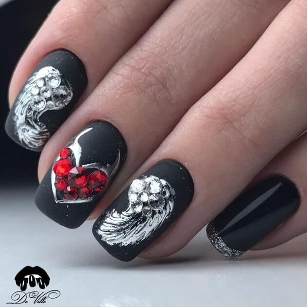 черен маникюр Свети Валентин