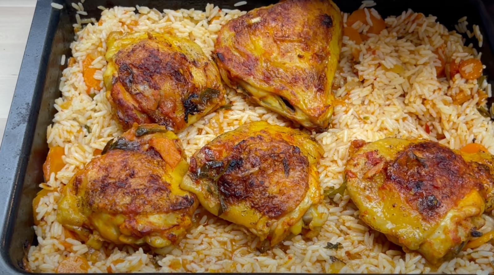 пиле с ориз и вкусен сос