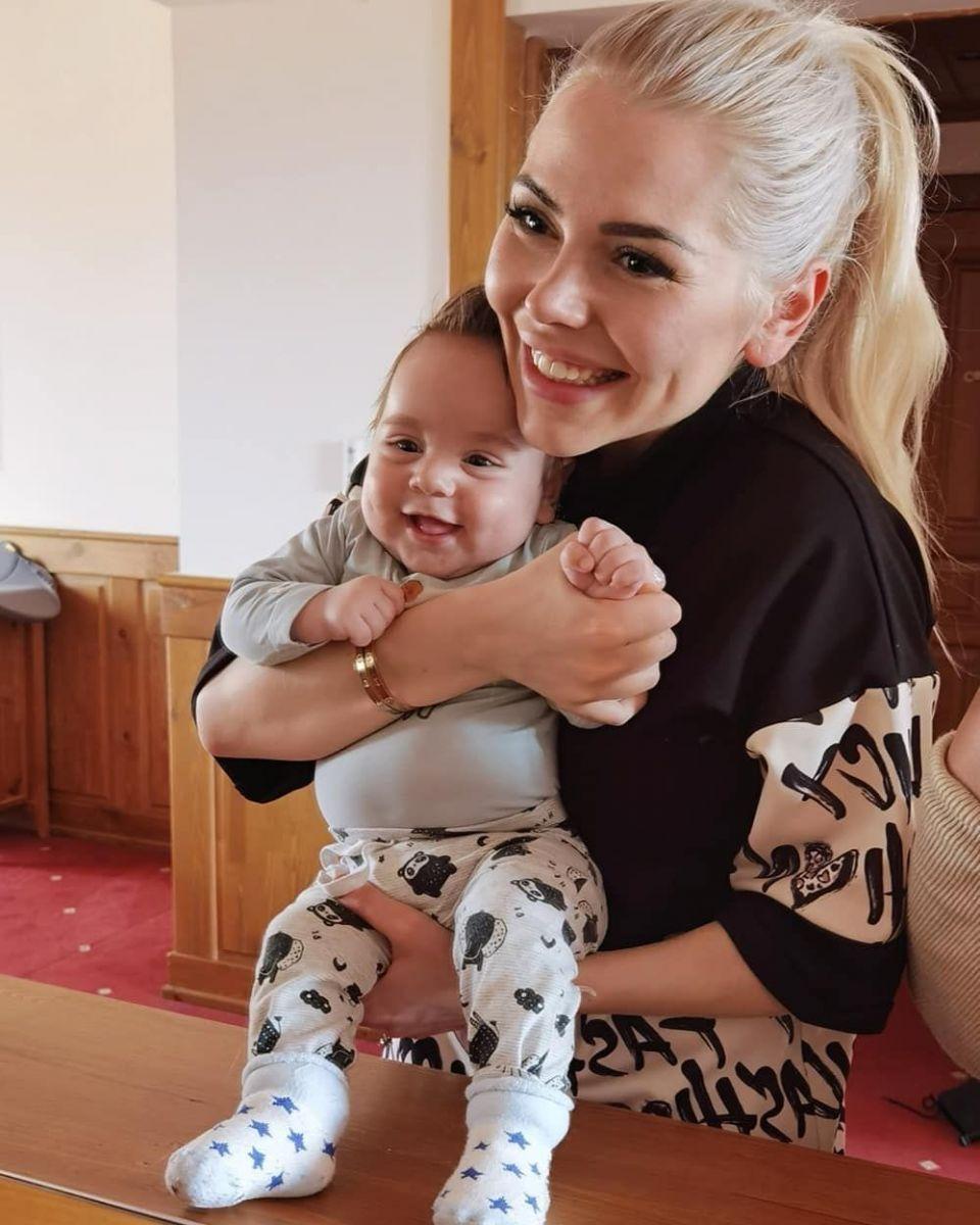 Калина Кузманова бебче