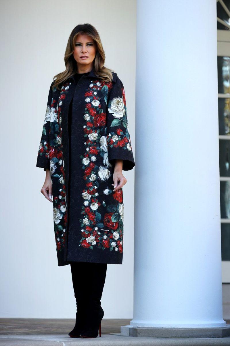 Мелания Тръмп красиво палто