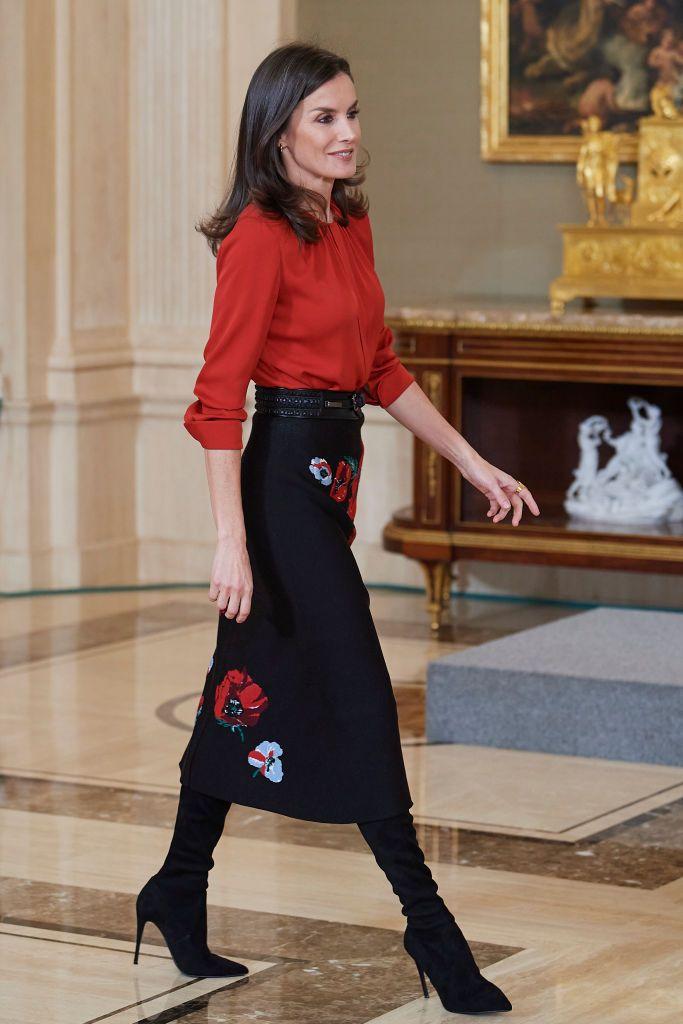 испанската кралица рокля