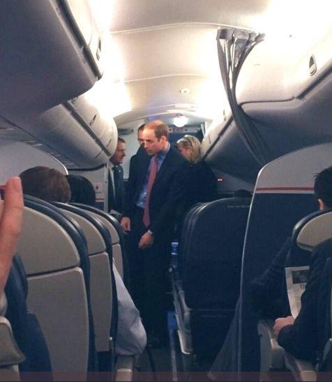 принц Уилям в самолет