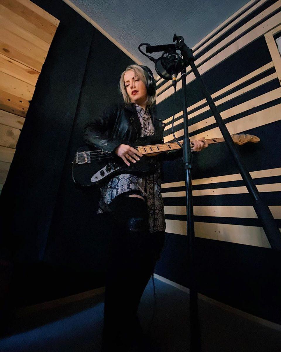 Поли Генова в студиото