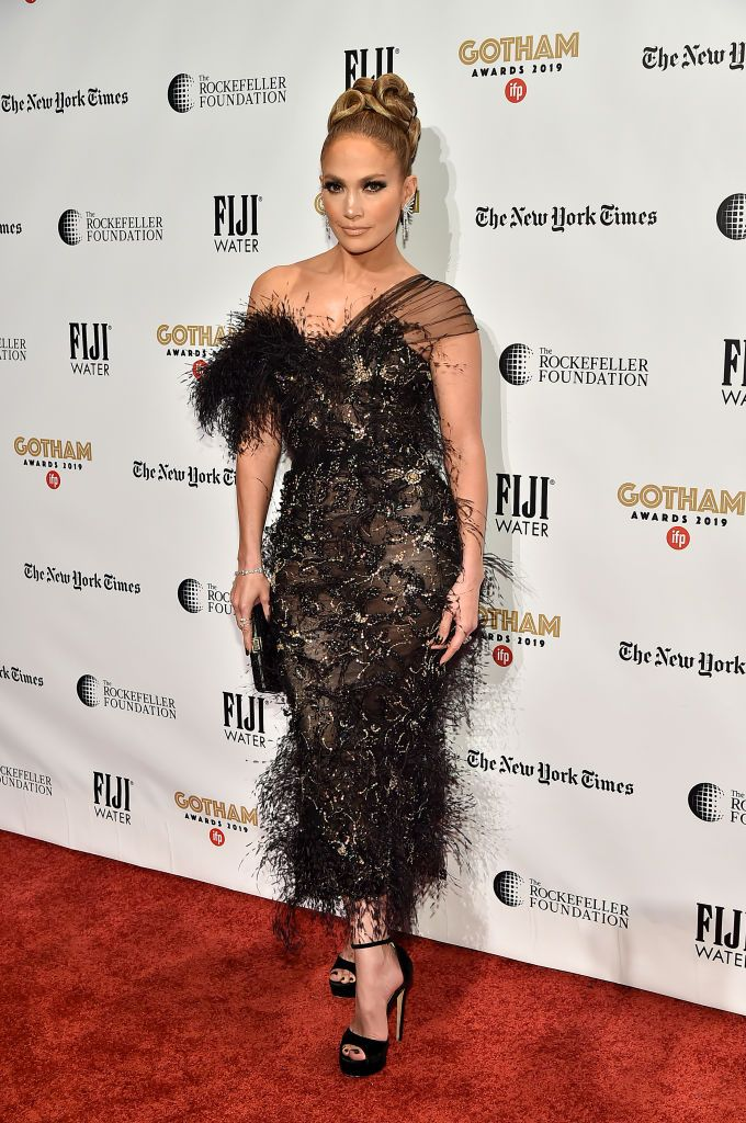 Джей Ло рокля с пера