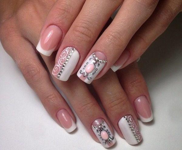 френски маникюр розово и бяло