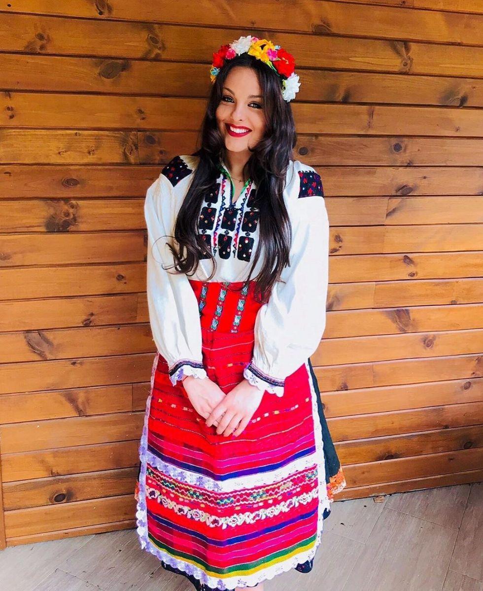 Симона Загорова носия