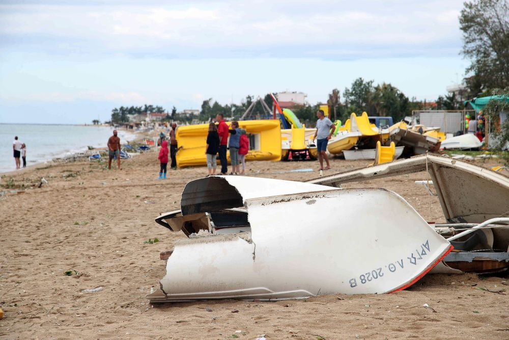 разрушена лодка