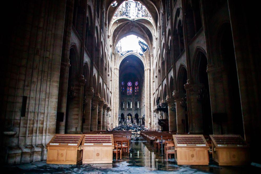 разрухата в катедралата