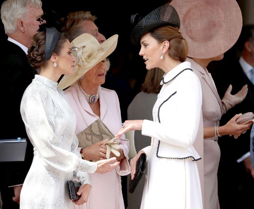 Кейт Мидълтън с кралица Летисия и Камила