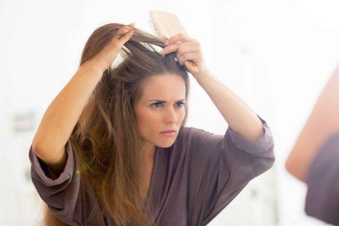 жена в огледалото