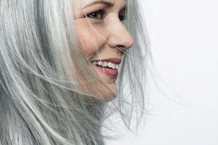 жена сиви коси