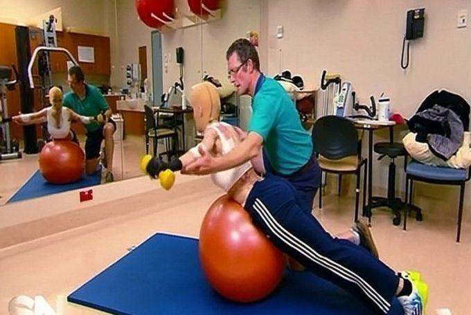 упражнения с йога топка