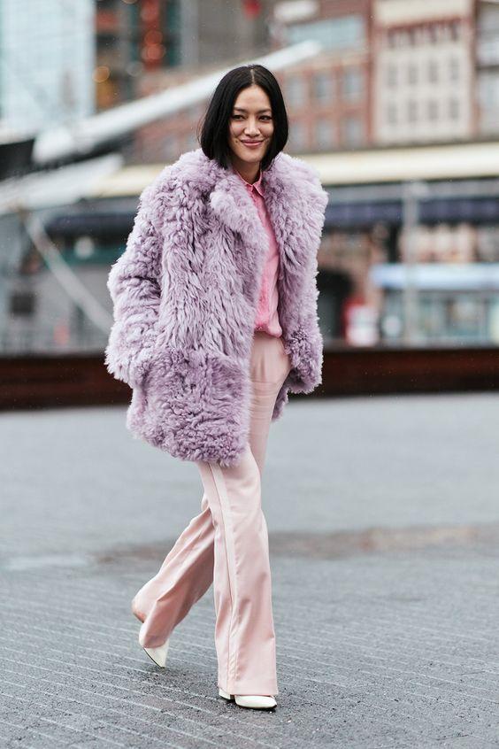 виолетово палто