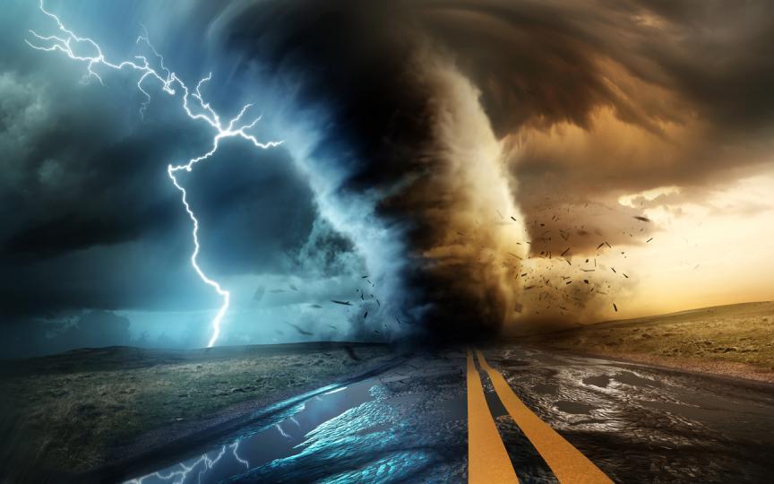 огромен ураган