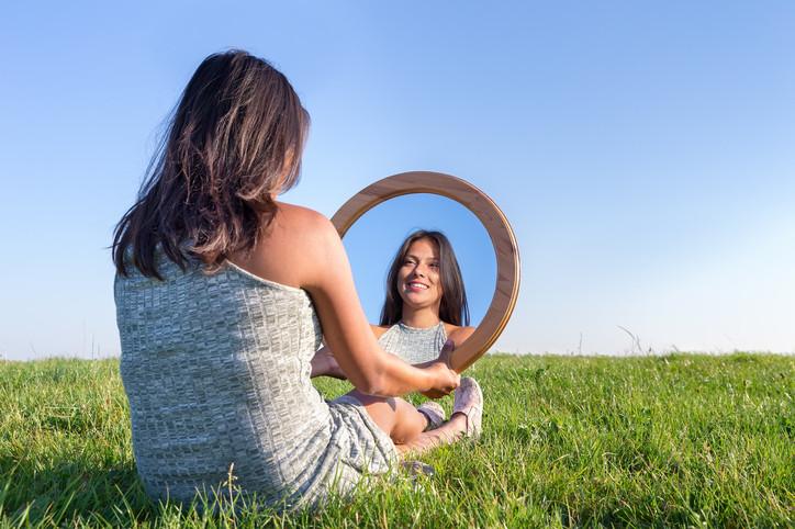 кръгло огледало
