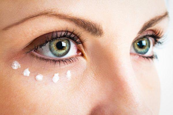 масло около очите