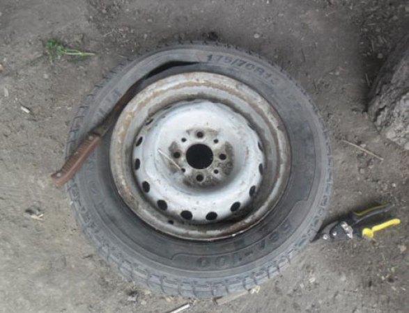 идеи саксии за цветя от автомобилни гуми