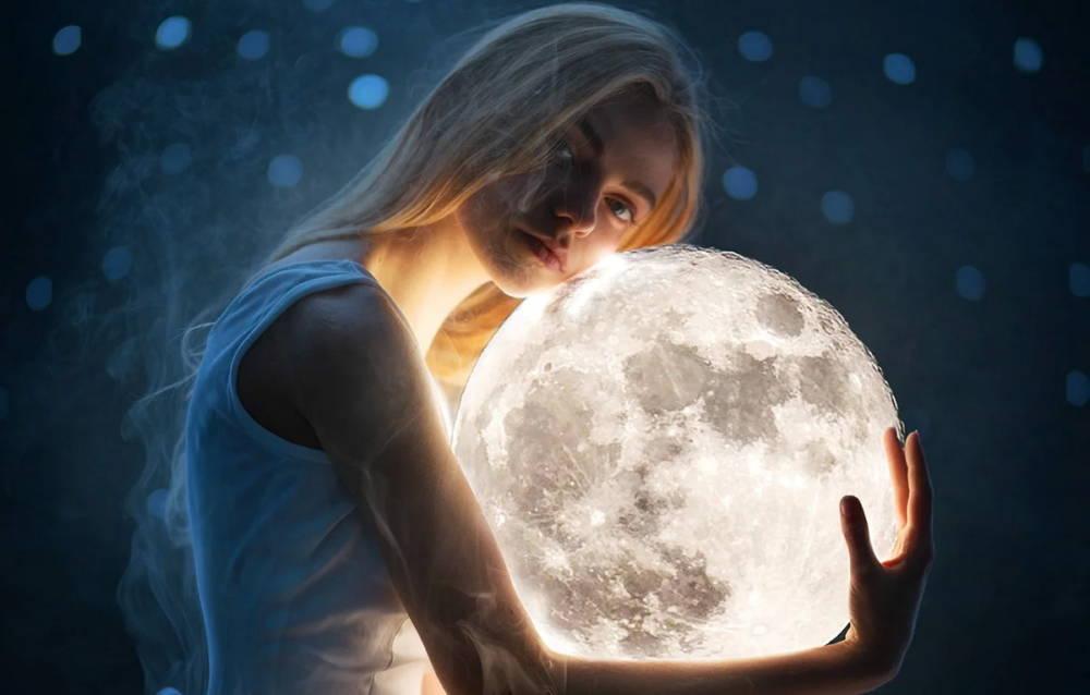 магията на луната
