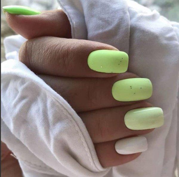 яркозелен пролетен маникюр