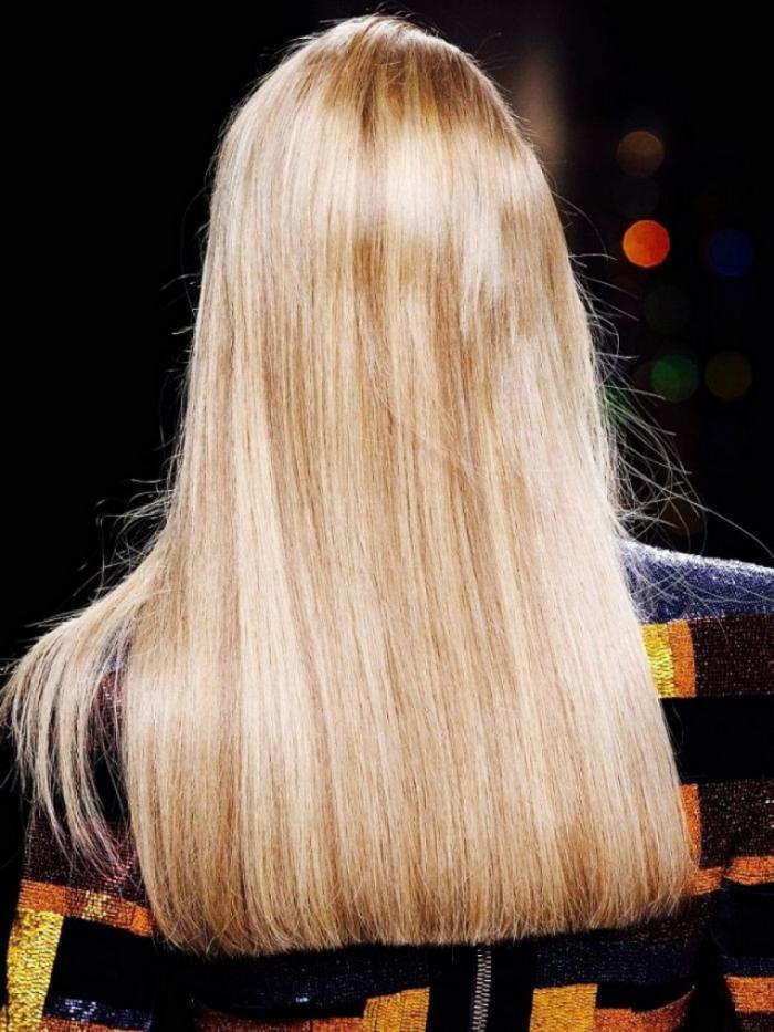 дълга идеално права коса