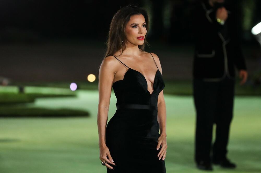 Ева Лонгория секси рокля