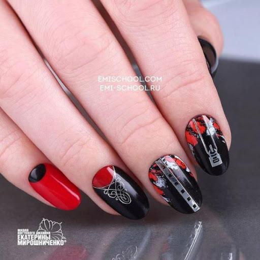 оригинален маникюр червено и черно