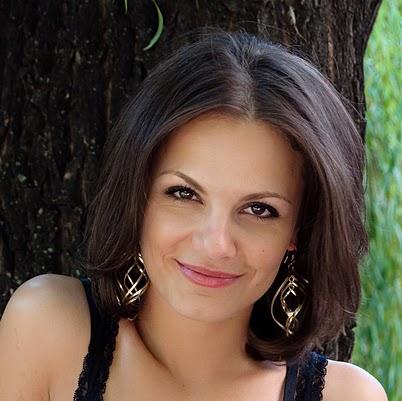 Анелия Луцинова