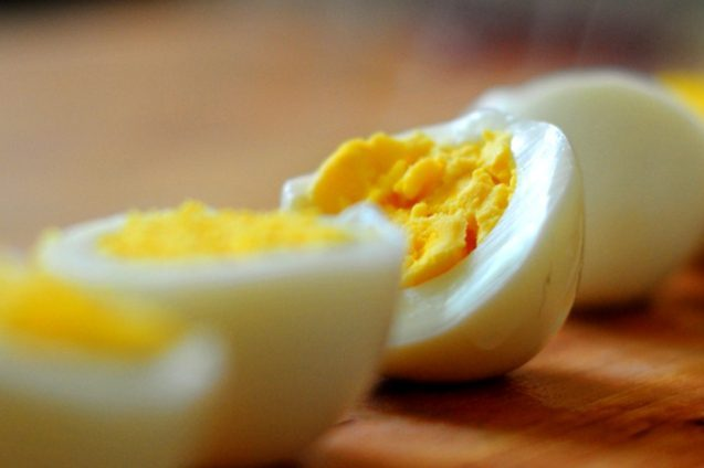 твърдосварено яйце