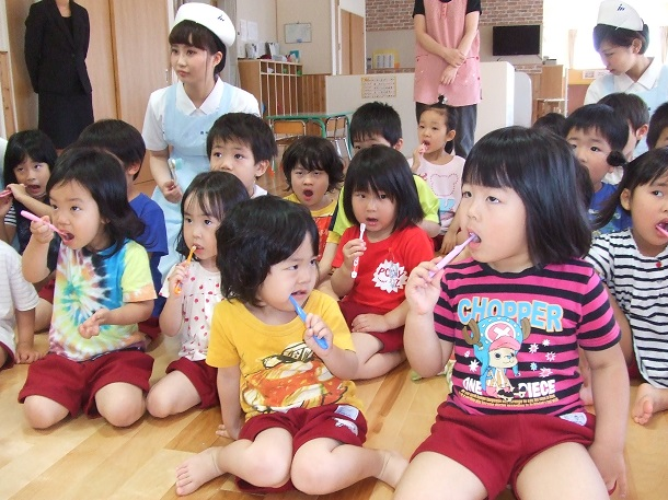 японски деца