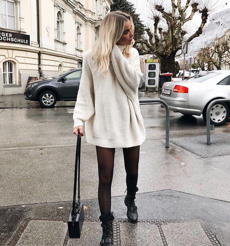 бяла рокля-пуловер