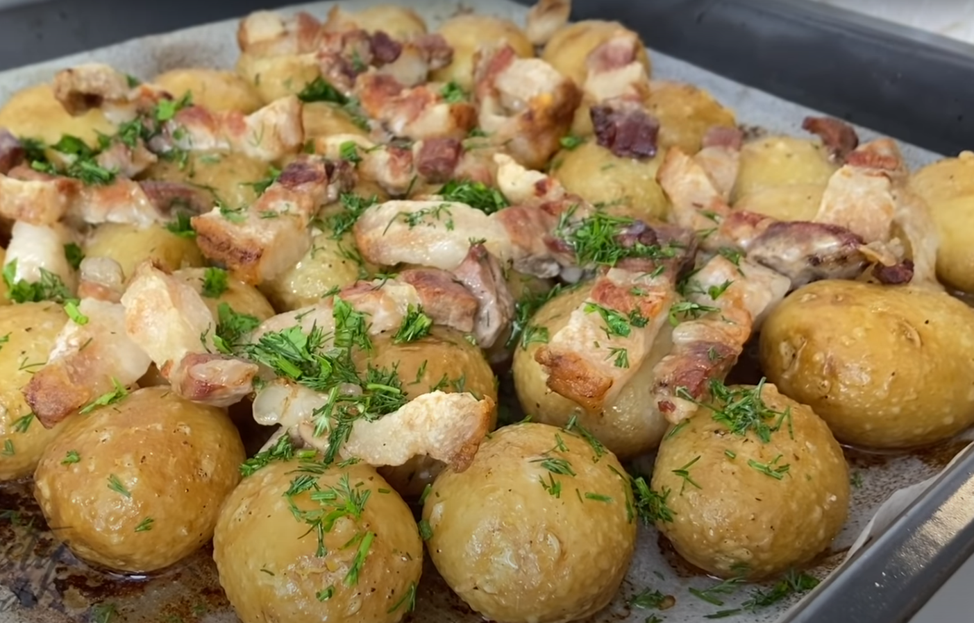 картофи с копър и магданоз