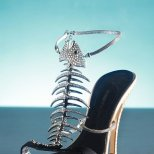 Джузепе Заноти - сандали с риба от скъпоценни камъни