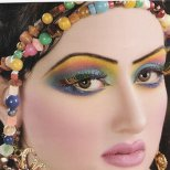 Арабски грим в силни цветове