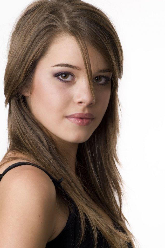 ежедневна прическа с прибрана коса