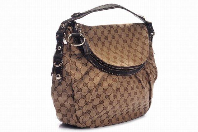 gucci - бежова чанта с качулка и цип