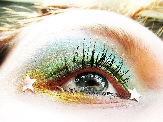 Грим на очите със звездички