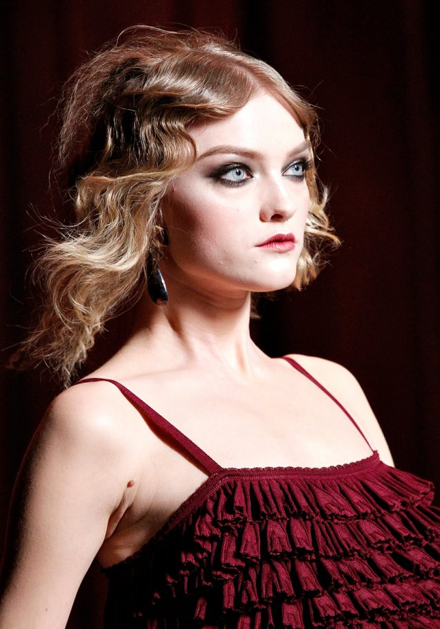 Кристиан Диор червена рокля 2011