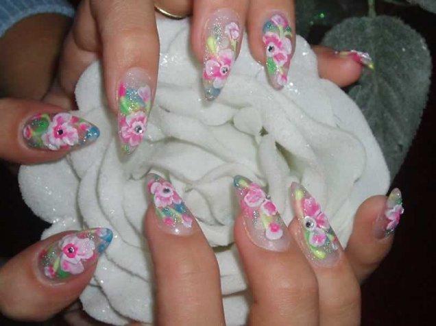 Красиви нокти с 3d цветя