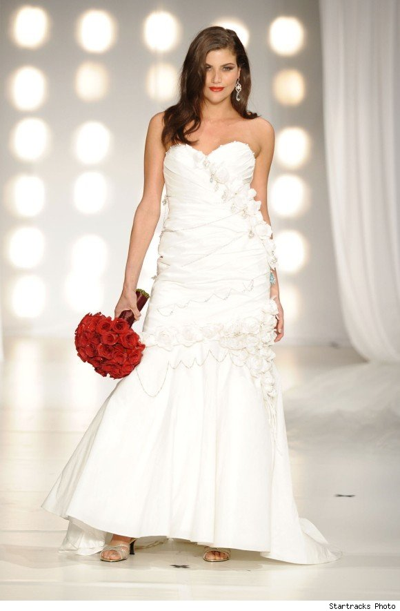 Сватбена Рокля Красотата на Розите