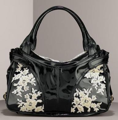 Валентино Лачена черна чанта с бяла дантела