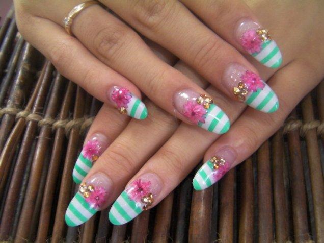 Красиви нокти с интересни връхчета