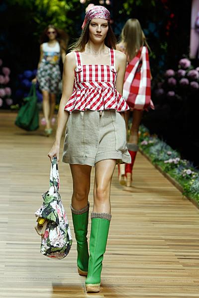 Dolce and Gabbana къси панталони и топ каре