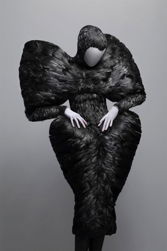 Александър Маккуин 2011 Рокля с Пера Черен Гарван