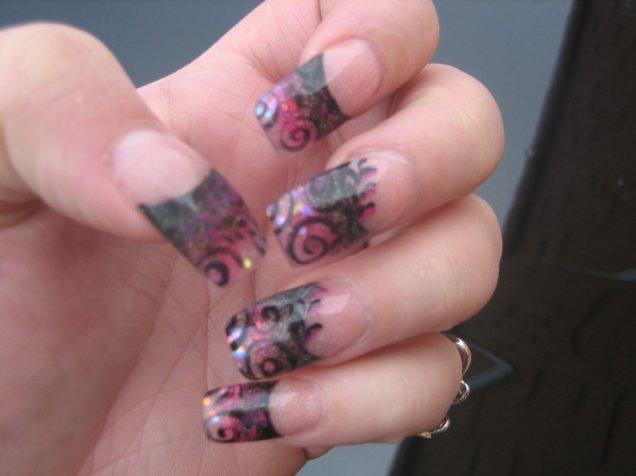 красиви нокти с черно и лилаво