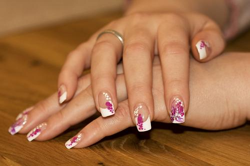 красиви нокти с мехурчета