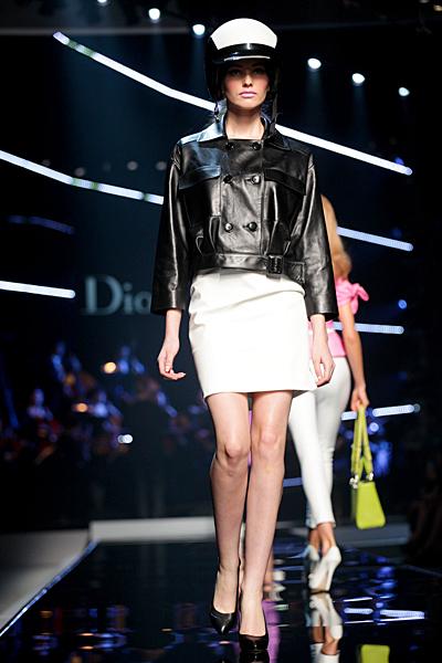 Dior 2011 бяла пола и черно кожено яке