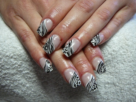 красив маникюр - зебра