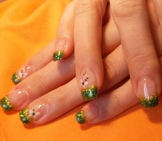 зелено, златно и пеперуди