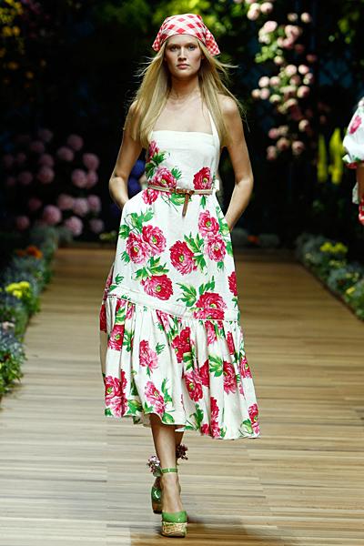 Dolce and Gabbana дълга рокля на големи цветя