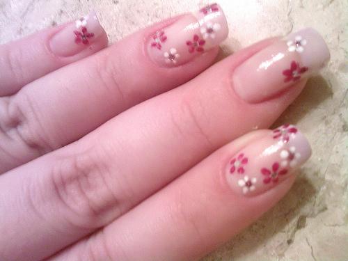 красиви декорации на нокти